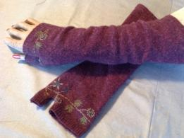 Make Fingerless Gloves from Upcycled Sweaters