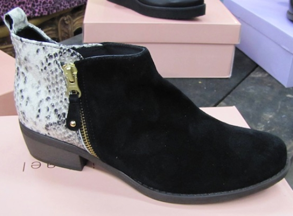 Short Boot with blackfrony and white heel